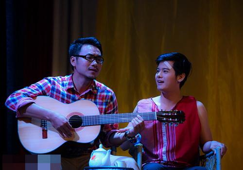 trinh kim chi khoc sung mat vi kich dong tinh - 8