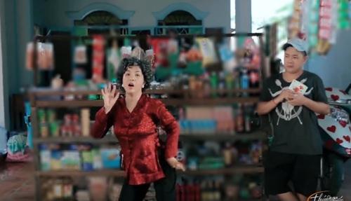 "thuy nga dong ""ba tung"" e chong trong hai tet 2016 - 13"