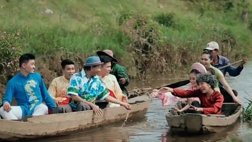 "thuy nga dong ""ba tung"" e chong trong hai tet 2016 - 11"