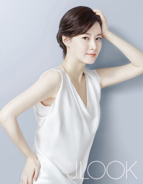 45 tuoi, lee young ae van dep mong manh, thanh khiet - 4