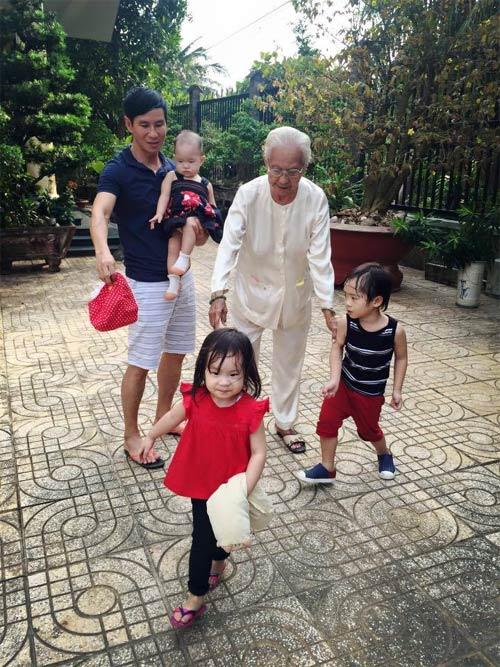 """Con gái Hà Kiều Anh 3 tháng tuổi """"trổ tài"""" làm mẫu nhí-10"""