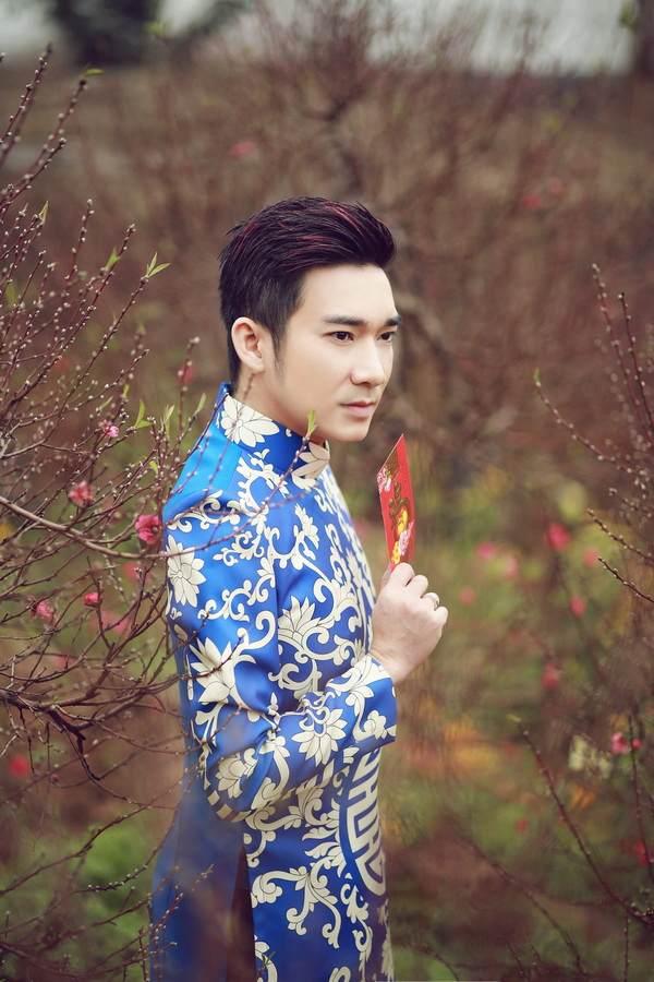 viet huong, quang ha mac ao dai dao pho hoa - 11