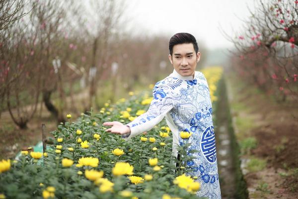 viet huong, quang ha mac ao dai dao pho hoa - 12