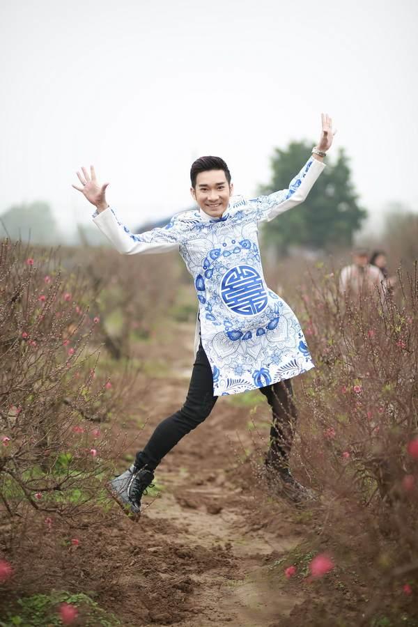 viet huong, quang ha mac ao dai dao pho hoa - 13