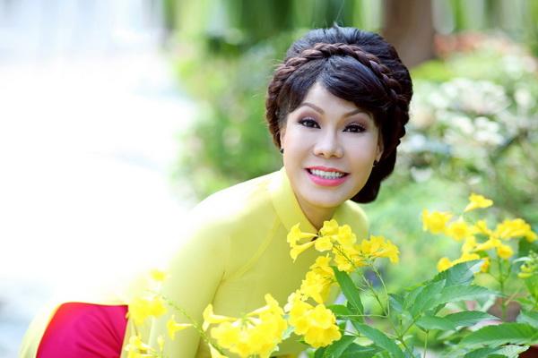 viet huong, quang ha mac ao dai dao pho hoa - 5