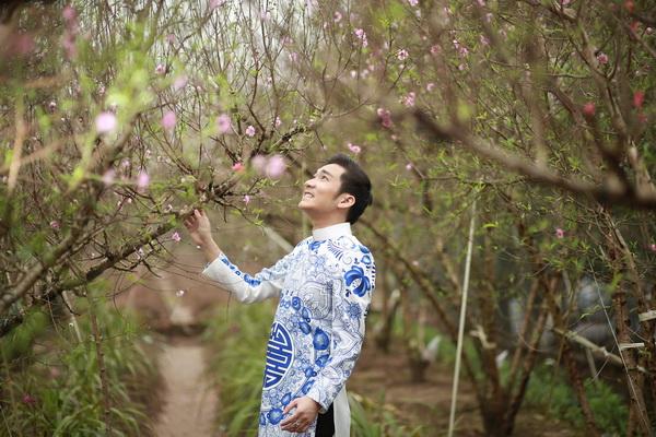 viet huong, quang ha mac ao dai dao pho hoa - 17