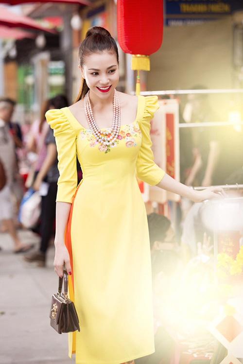 Trang điểm, làm tóc diện áo dài đẹp tựa Trà Ngọc Hằng-8