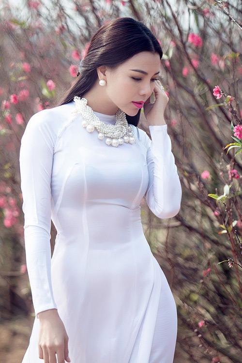 Trang điểm, làm tóc diện áo dài đẹp tựa Trà Ngọc Hằng-6