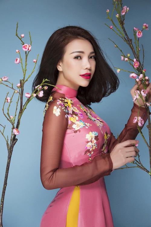 Trang điểm, làm tóc diện áo dài đẹp tựa Trà Ngọc Hằng-13