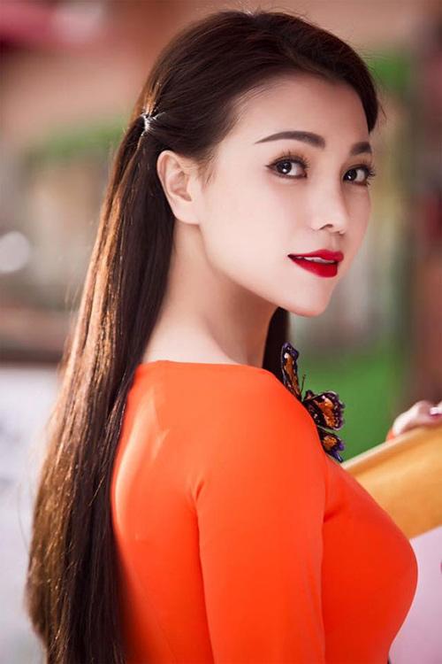 Trang điểm, làm tóc diện áo dài đẹp tựa Trà Ngọc Hằng-5