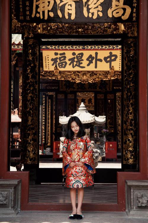 Mẫu nhí nổi tiếng Sài Gòn siêu cá tính khi mặc áo dài-2