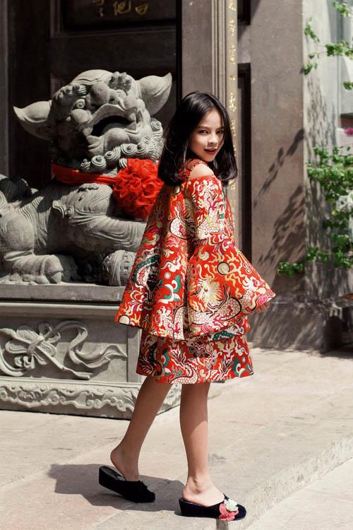 Mẫu nhí nổi tiếng Sài Gòn siêu cá tính khi mặc áo dài-7