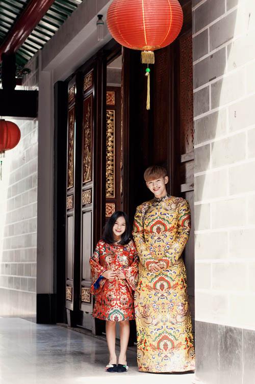 Mẫu nhí nổi tiếng Sài Gòn siêu cá tính khi mặc áo dài-10