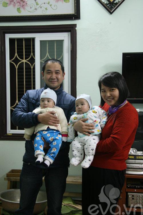 Đầu năm, gặp mẹ hiếm muộn sinh con  ngày HN mưa lụt-1