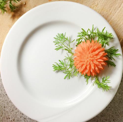 Gợi ý các cách trang trí đĩa ăn, bàn ăn ngày Tết-7
