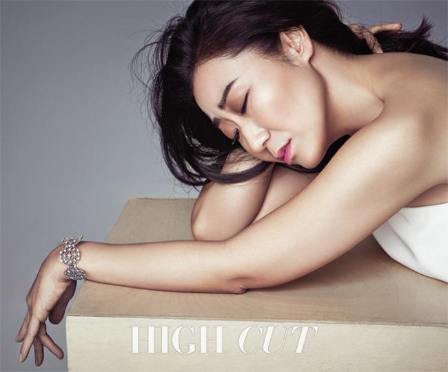 Lee Min Jung khoe nhan sắc