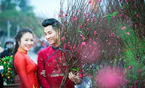 nguyen khang dien ao dai don xuan o pho co ha noi - 2