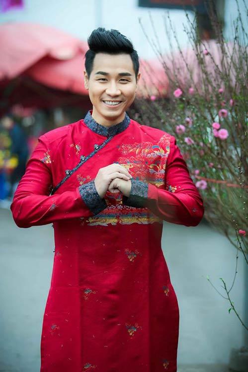 nguyen khang dien ao dai don xuan o pho co ha noi - 1