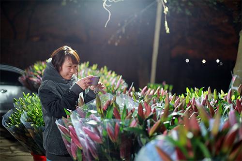 Chợ ly đêm làng Tây Tựu tấp nập ngày cuối năm-15