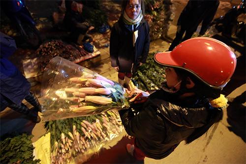 Chợ ly đêm làng Tây Tựu tấp nập ngày cuối năm-19