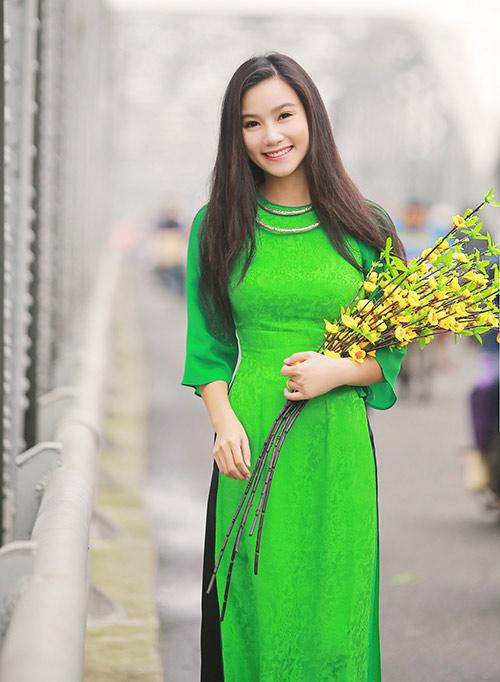 luong giang diu dang voi ao dai o co do - 2