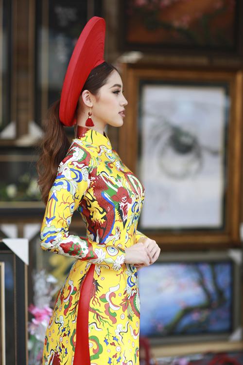 Hoa hậu Việt kiều hân hoan lần đầu mặc áo dài đón xuân-2