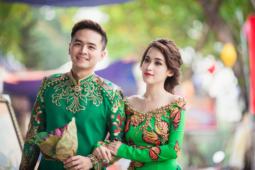 Tú Vi - Văn Anh diện áo dài ngọt ngào sánh đôi-6
