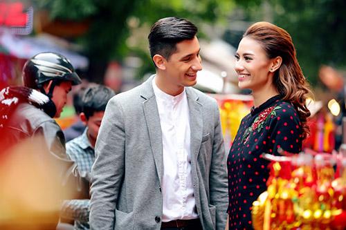 Hồng Quế khoe Tết Hà Nội với bạn nhảy ngoại quốc-5