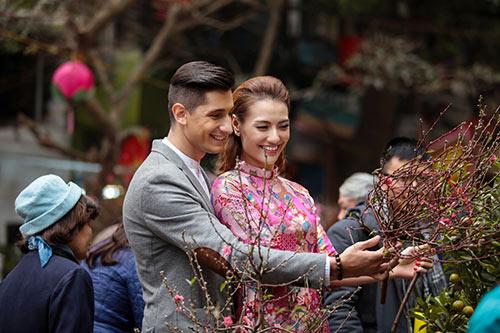 Hồng Quế khoe Tết Hà Nội với bạn nhảy ngoại quốc-7
