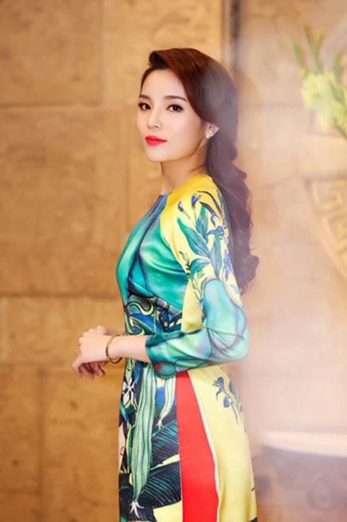 Sao Việt xinh đẹp rạng ngời đón Tết Bính Thân 2016-2