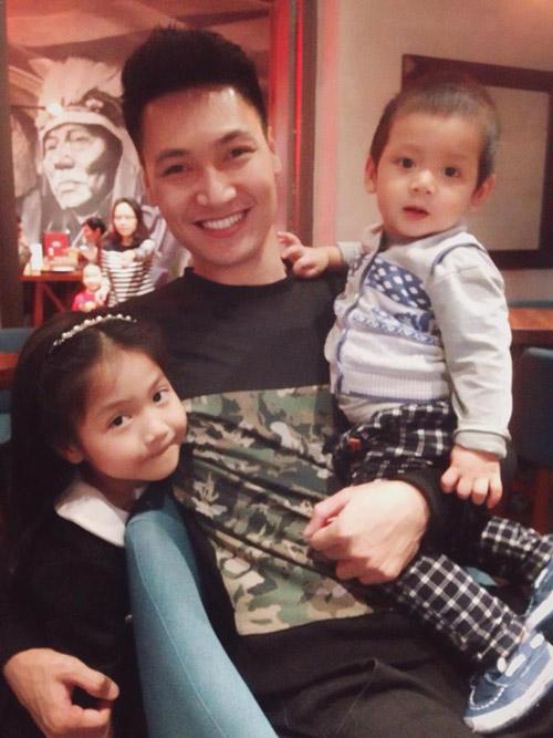 Tò mò nghe chuyện 'gặp hên' của gia đình sao Việt năm qua-2