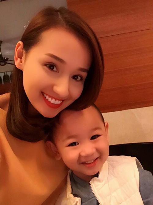 Tò mò nghe chuyện 'gặp hên' của gia đình sao Việt năm qua-3