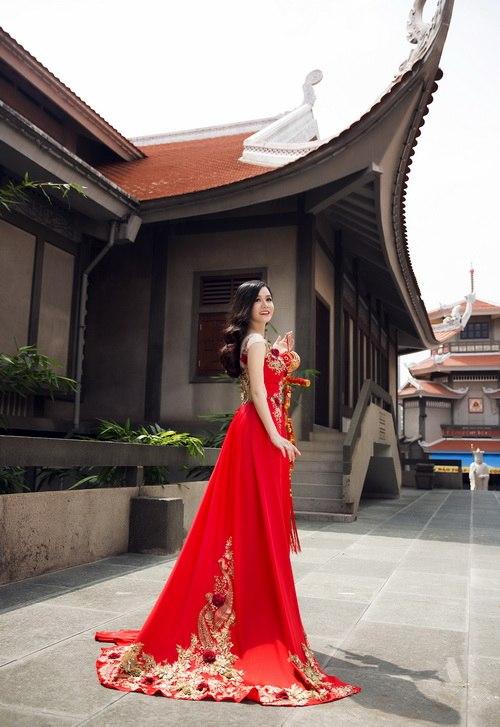 Nhật Kim Anh đẹp rạng rỡ dưới nắng xuân-8
