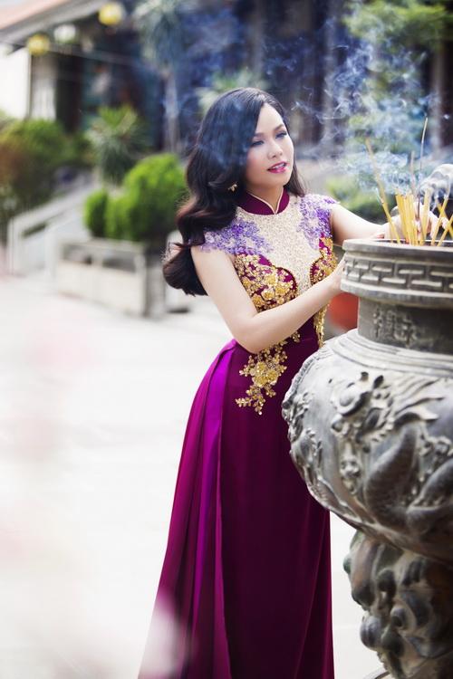 Nhật Kim Anh đẹp rạng rỡ dưới nắng xuân-12