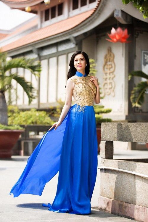 Nhật Kim Anh đẹp rạng rỡ dưới nắng xuân-14