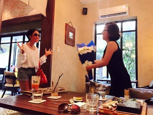 Đoan Trang hạnh phúc đón sinh nhật trong căn phòng tân hôn-3
