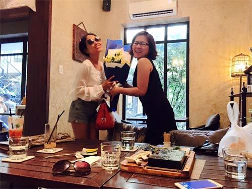 Đoan Trang hạnh phúc đón sinh nhật trong căn phòng tân hôn-4