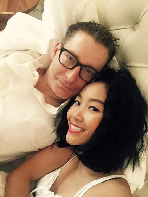 Đoan Trang hạnh phúc đón sinh nhật trong căn phòng tân hôn-1