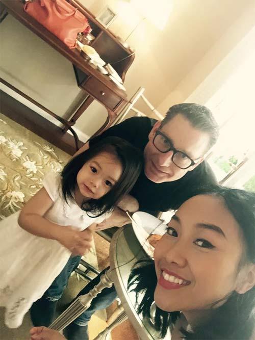 Đoan Trang hạnh phúc đón sinh nhật trong căn phòng tân hôn-2