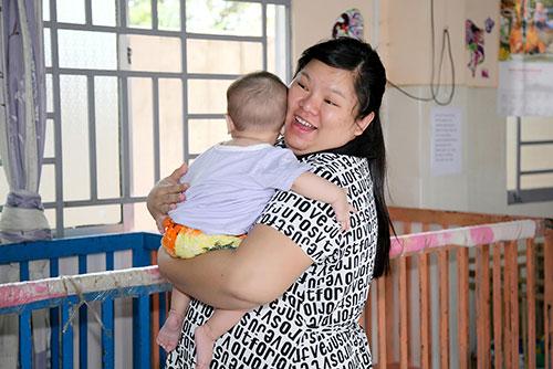 Tuyền Mập có bầu 8 tháng vẫn hăng say đi từ thiện cận Tết-1