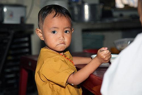 Tuyền Mập có bầu 8 tháng vẫn hăng say đi từ thiện cận Tết-3