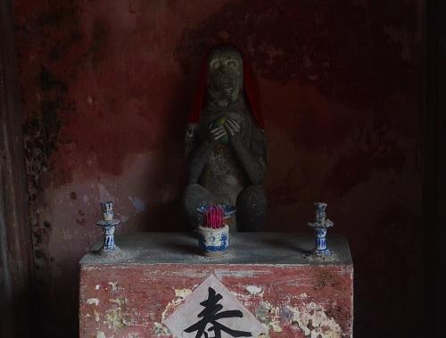 dàu nam bính than kẻ chuyẹn ve 2 tuọng khỉ ỏ chùa càu họi an - 2