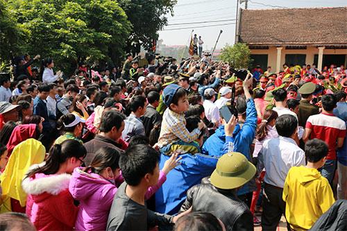 hoi lang nem thuong: khong con canh chem lon o san dinh - 8