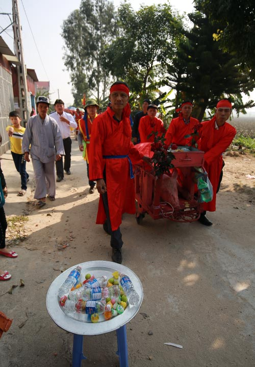 hoi lang nem thuong: khong con canh chem lon o san dinh - 3