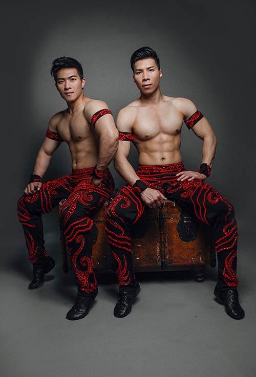 "mc hong phuong ket hon voi ""hoang tu xiec viet"" - 3"