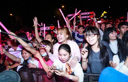 hari won van duoc fan yeu men sau on ao tinh cam - 9