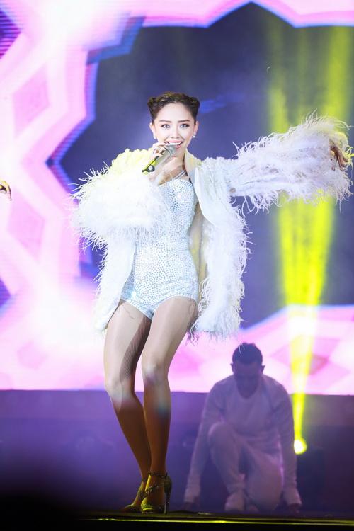 hari won van duoc fan yeu men sau on ao tinh cam - 14