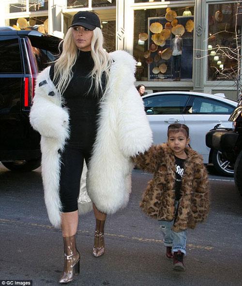 "con gai kim kardashian ""cuc chat"" tren pho new york - 1"