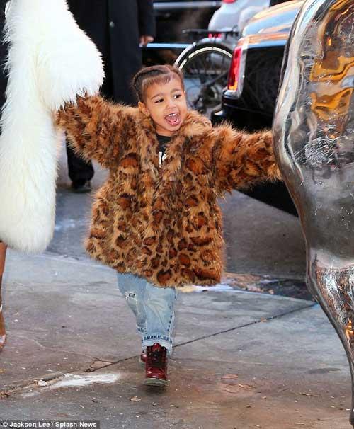 "con gai kim kardashian ""cuc chat"" tren pho new york - 3"