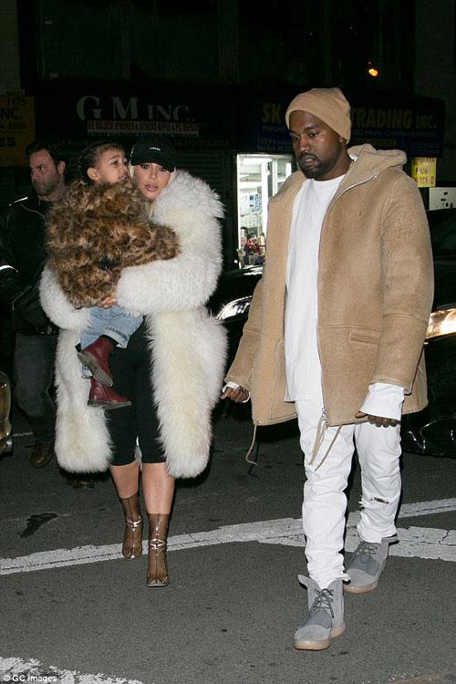 "con gai kim kardashian ""cuc chat"" tren pho new york - 7"